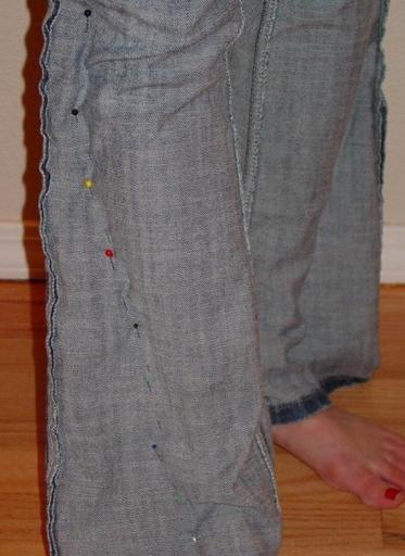 таких джинсов в районе 20-50$ (а больше они не стоят, ибо это в лучшем случ